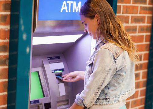 해외여행시 반드시 조심해야하는 ATM(현금인출기) 사기치는 수법 15가지