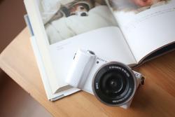 저렴한 보급형 미러리스카메라 소니 a5000
