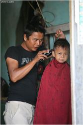 미얀마 인레 여행: 머리깎는 아이