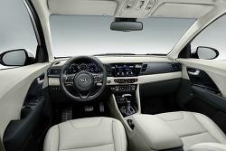 기아 하이브리드 SUV 2018 니로 PHEV!! 중형SUV보다 저렴하지 않은 만큼 가성비가 잇을까?