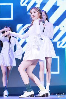 17.01.08 에이프릴 롯데월드 RISING STAR 공연 by. Zetta