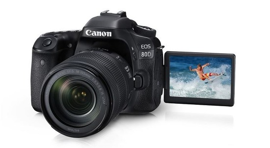 캐논 80D 구입 혜택, 정품배터리와 64GB SD카드 제공