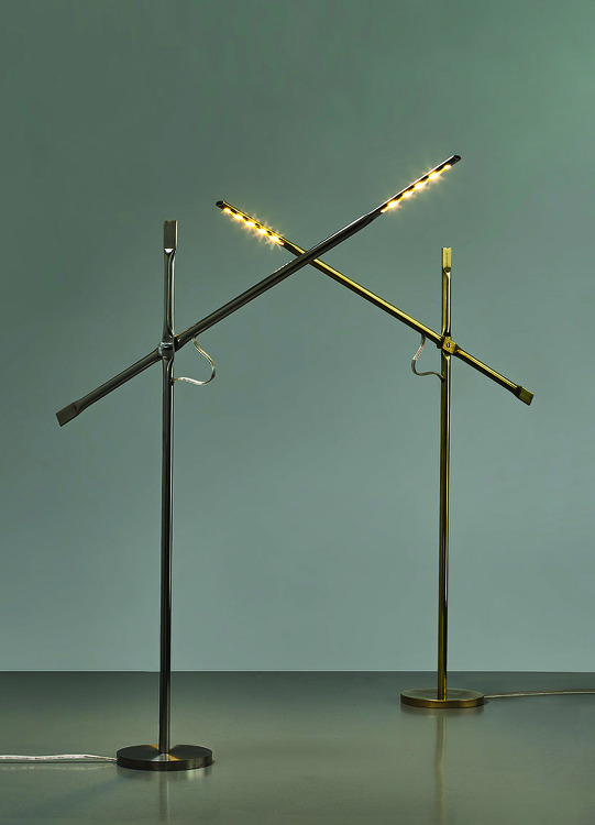 *메탈 파이프 램프 hagai vered uses metal pipe-squashing techniques to join lamp components