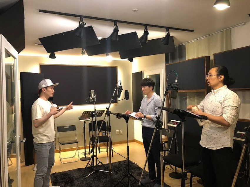 '자, 녹음 시작합니다!' – 목소리 재능기부로 세상과 함께하는 따뜻한 활동가!