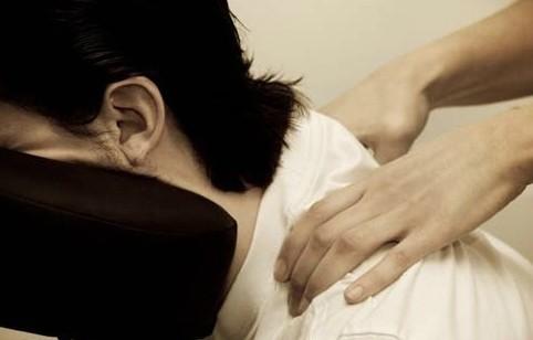 크리스마스의 악몽, 크리스마스, 일자목, 거북목, 편두통, 일자목 치료 방법