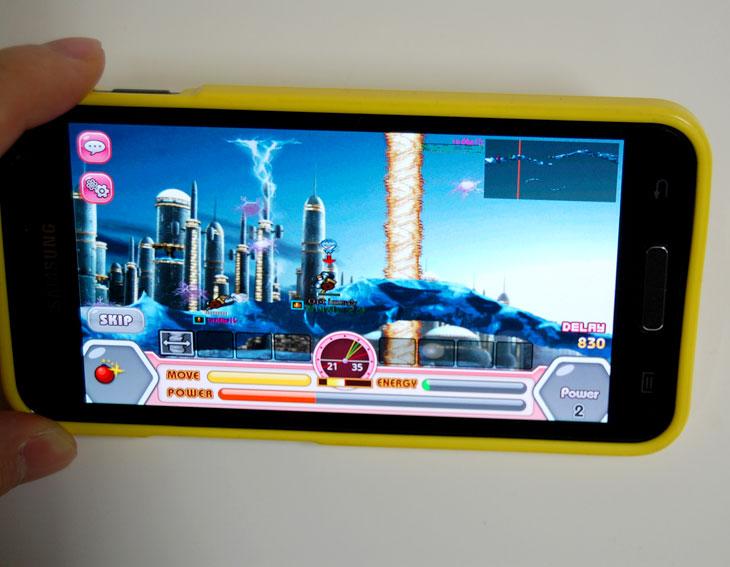 갤럭시S2 HD LTE, 포트리스2 레드, 게임, 스마트폰 게임, 갤럭시S2 HD 게임, 유플러스, U+, U플러스, IT, 제품, 리뷰, 사용기, 갤스2HD, 갤럭시S2 HD LTE폰을 사용하면서 포트리스 레드2 게임을 자주 하게 되는거 같습니다. LTE폰이라 폰이 빨라 게임하기 좋습니다. 집에서는 와이파이(WiFi)로 포트리스 레드2 LTE 게임을 하고 밖에서는 4G로 접속하여 게임을 합니다. 갤럭시S2 HD LTE로 4G접속해도 포트리스 1판 하는 데 0.1메가 정도 소모됩니다. 게임시작해서 짧게 끝나는 판에는 데이타용량을 적게 사용합니다. 포트리스2 레드는 PC게임과 동일하고 PC 사용자와 게임을 같이 할 수 있습니다. 4G가 속도가 빨라서 가능합니다. 게임동영상을 직접 촬영하여 게임후기를 남겼으니 감상해보세요.