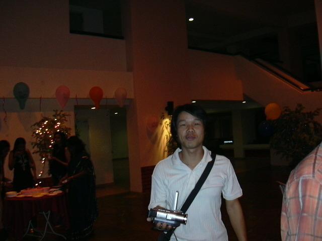 2005년 3월 6일에 반 친구 생일 파티에 갔을 때