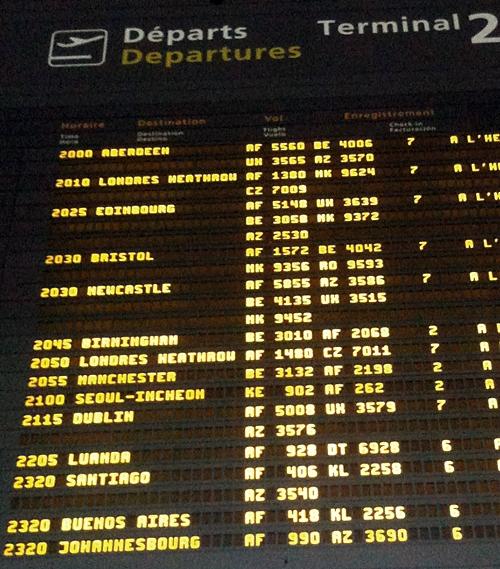 항공편 출발 시간표를 알려주는 FIDS