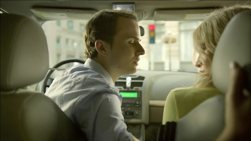 시트로엥(Citroen) C4의 TV광고 - 자동차의 옵션을 사용할때마다 돈을 낸다? 동전 투입구(Coin Slot)편 [한글자막]
