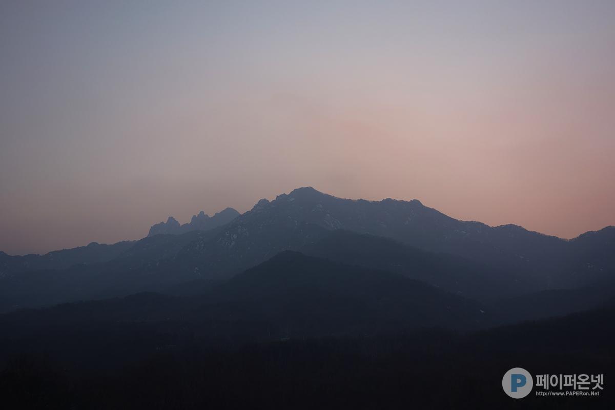 도봉산 뒤로 넘어간 2015년 마지막 태양
