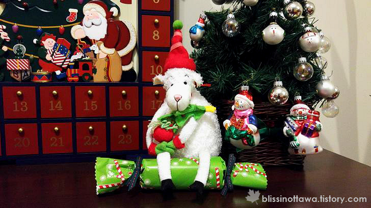 영국 크리스마스 크래커 입니다