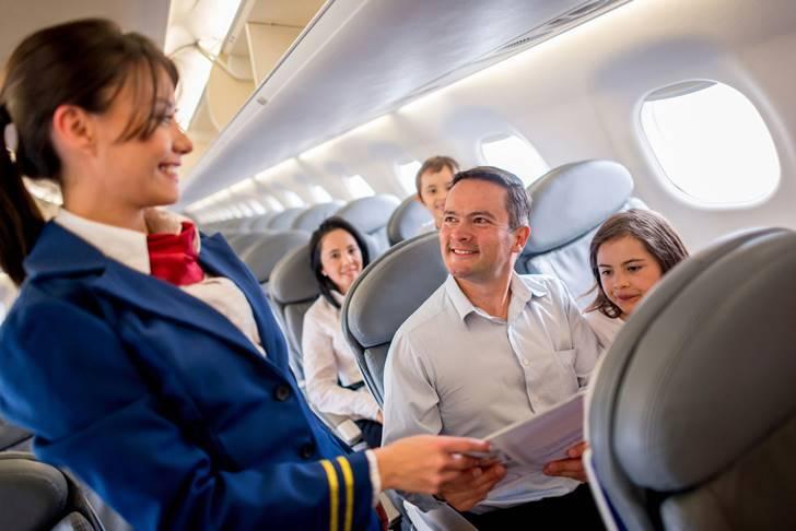 승무원들이 직접 밝힌 비행기의 잘 알려지지 않은 사실 7가지