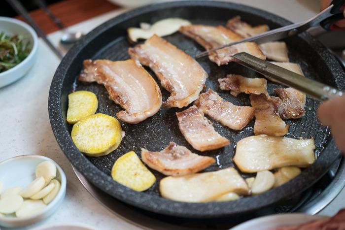 [산청 맛집] 산청 흑돼지 삼겹살을 먹을 수 있는 '은행나무 식당'