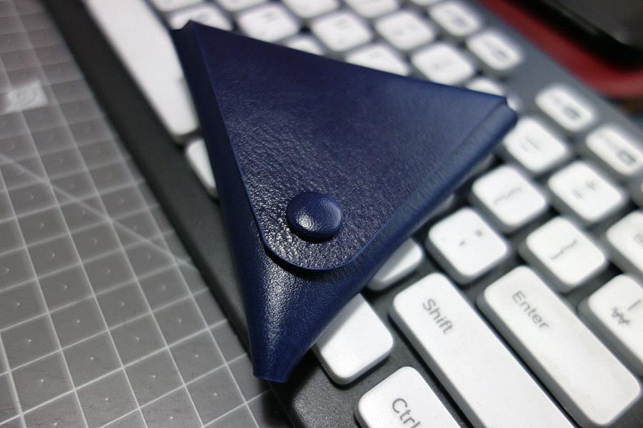 싸개단추로 만든 삼각 동전지갑