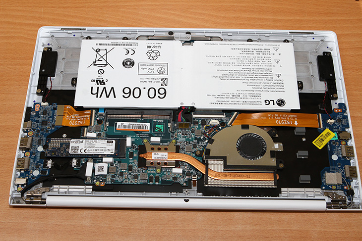 Crucial ,MX300, M.2 2280 ,525GB ,올데이그램, 용량, 늘리기,IT,IT 제품리뷰,요즘 노트북에는 대부분 M.2 SSD가 사용이 됩니다. 이번 주인공은 SSD 입니다. Crucial MX300 M.2 2280 525GB 올데이그램 용량 늘리기를 해보려고 합니다. 부족한 노트북의 저장공간을 늘리는 방법은 더 고용량 SSD를 쓰는것 입니다. Crucial MX300 M.2 2280 525GB를 이용하면 꽤 고용량의 저장장치를 비교적 저렴하게 이용할 수 있습니다. 마이그레이션 툴도 기본으로 동봉하고 있어서 더 편리하게 이용할 수 있는데요.