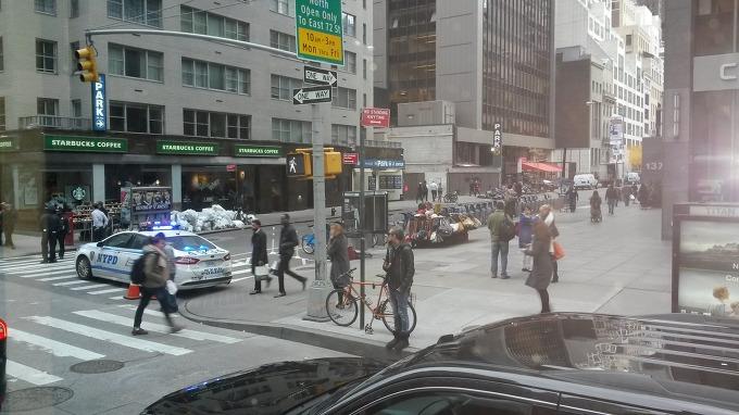 도널드 트럼프가 대통령에 당선되자 백악관 경호실과 뉴욕경찰이 트럼프의 거처 및 선대본부가 위치한 맨해튼 56가, 5애비뉴 트럼프타워일대의 일부 교통을 완전차단했다.[맨해튼 6애비뉴에서 5애비뉴로 항하는 56가의 차량통행은 완전금지됐다]