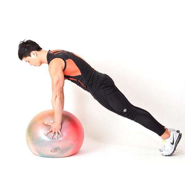 짐볼을 이용한 안정성 코어 운동 3가지(코어운동 가이드/ 시청역 헬스장)