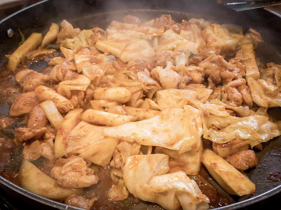 수원 호매실 오투 닭갈비, 치즈 듬뿍 닭갈비 점심 외식 메뉴~