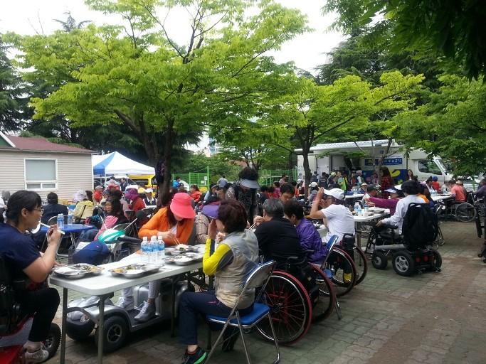 부산척수장애인협회 무료급식 지원