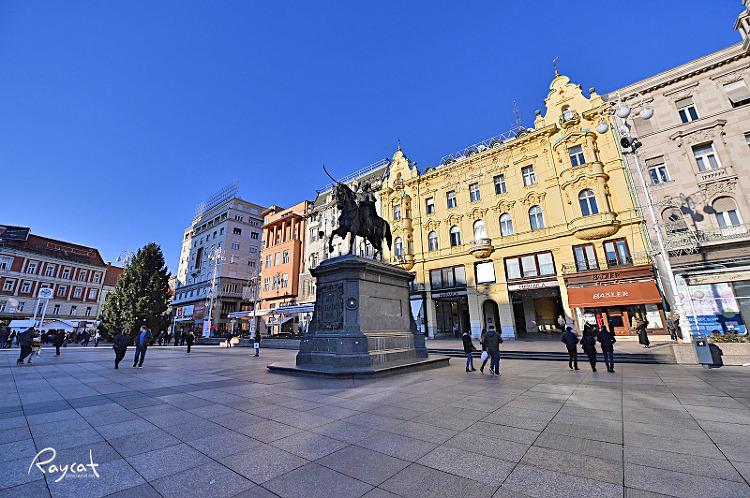 자그레브 반옐라치치 광장