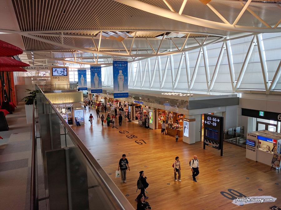[일본/북해도/삿포로] 신치토세공항 면세점, 그리고 진에어 삿포로->인천 기내식 (CTS->ICN / LJ232)
