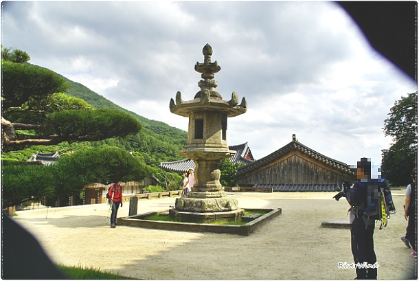 구례(求禮 華嚴寺)화엄사(華嚴寺) 각황전(覺皇殿)앞 석등