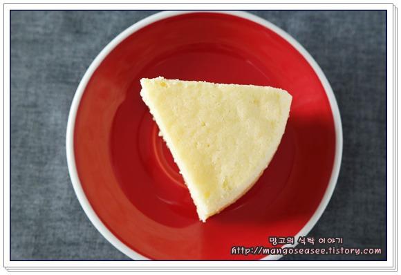 부드러움과 촉촉함이 풍성한 수플레치즈케이크