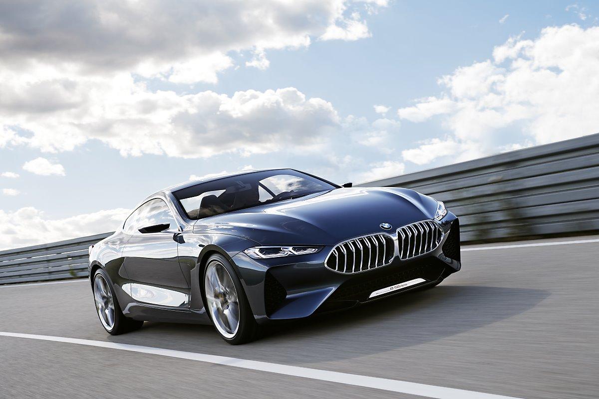 BMW 8시리즈 쿠페 실차 유출 괴랄한 디자인?!