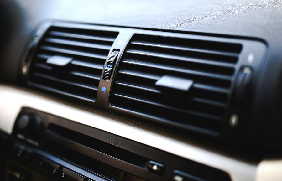 자동차 에어컨 냄새 제거 방법