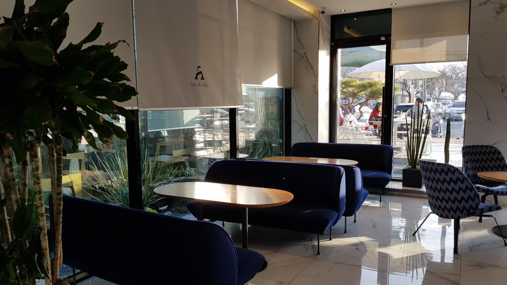 카페 아양 1층 구석 뷰
