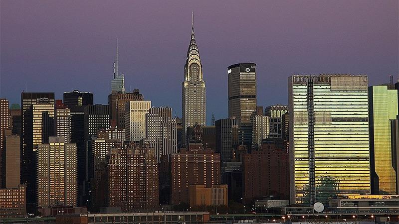 사진: 가운데 뾰족한 철탑을 가진 빌딩이 크라이슬러 빌딩이다. 한달 간 세계에서 가장 높은 빌딩이었다.